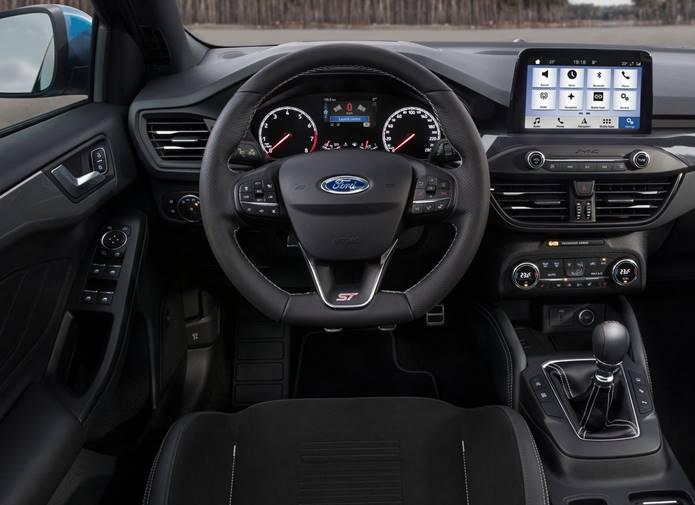 novo focus st 2020 interior painel