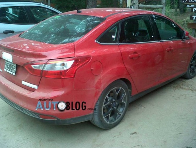 novo ford focus sedan 2013