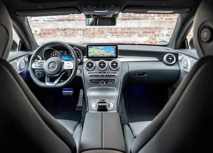 Mercedes Classe C Coupe 2020 - Versão reestilizada chega ao Brasil por R$ 289.000